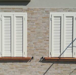 veneziane in alluminio doghe verticali Ferrara frazione San Martino